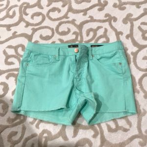 Mint Kardashian kollection shorts